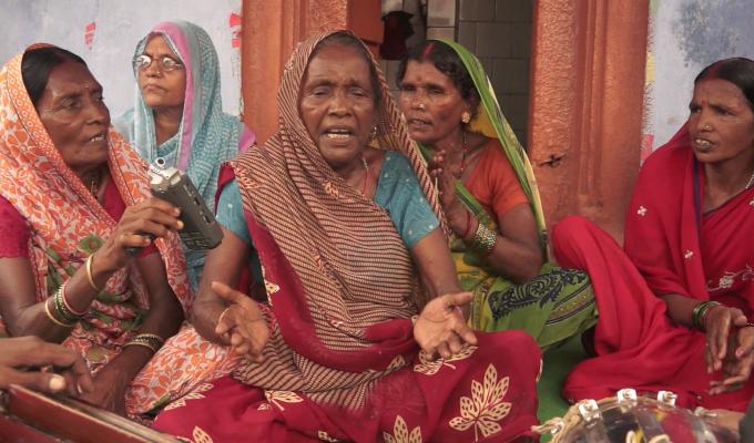 जेवनार गीत | Gaari Gaari, Prem Pyaari | Bhojpuri Jevnaar folk song | Engsubs